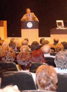 Conferencia de Alfonso Ussía